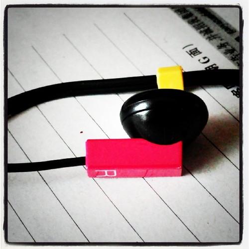 可爱的颜色吖,耳机酱。左边的是绿色