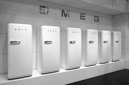 fab fridge style 50s 50 kühlschrank refrigerators smeg nevera 50er 50style fab28rb frigofriferi smeg50style frigoriferocolorato colourfridge retrofridges smeg50er kühlschrank50er