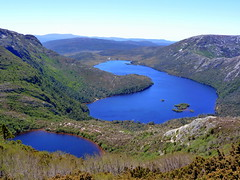 Tasmanian Natural Beauty (Alan1954) Tags: holiday beautiful beauty walk lakes australia tasmania cradle 2010 dovelake cradlemountainnationalpark lakelilla platinumheartaward flickrtravelaward