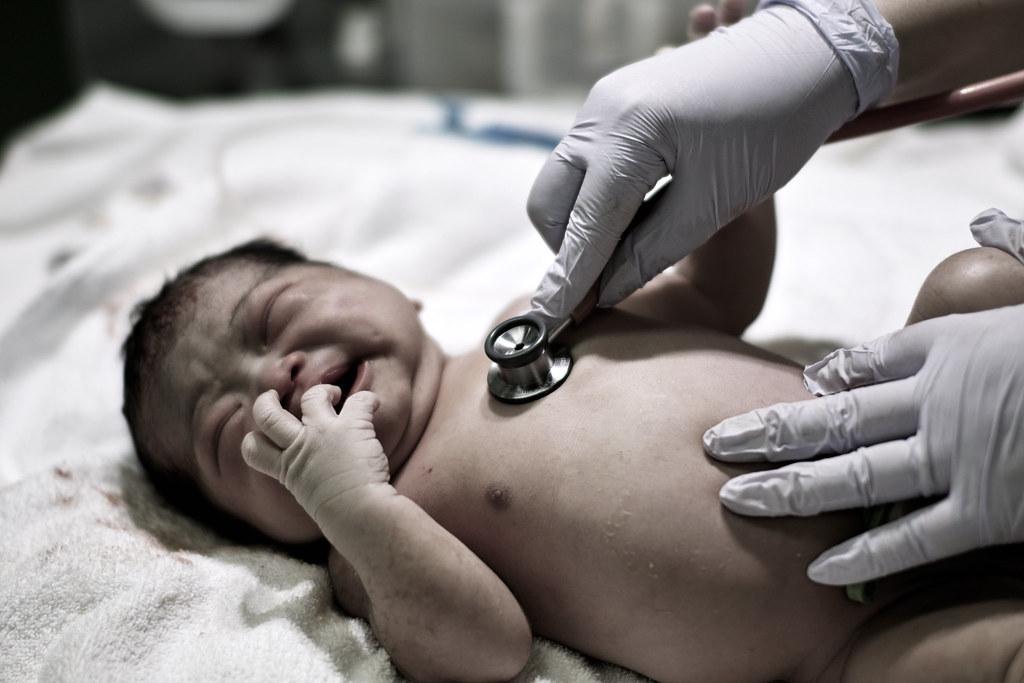[フリー画像] 人物, 子供, 赤ちゃん, 日本人, 201103151... 著者:ka_ta