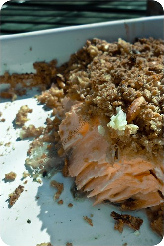 Crumble de saumon aux panais et pignons / Salmon Crumble With Parsnips And Pine Nuts