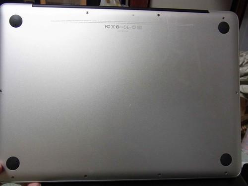 MacBook Pro(裏から)