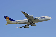 Lufthansa D-ABVU (V1 Aviation Photography) Tags: calgaryinternationalairport cyyc yyc boeing lufthansa 747430 747400 b744 dabvu