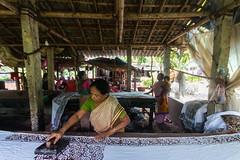 marker 2 (Kolkata Jukebox) Tags: caning saree kolkata kolkatajukebox jukebox street streetphotography streets kolkatastreet canon travel