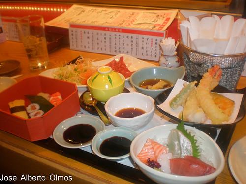 Primera comida en Japon