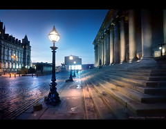 St Georges Hall Dawn - Liverpool 2011 (Lee Carus) Tags: street holiday station st liverpool sunrise dawn hall inn streetlamp plateau sony columns steps georgian lime alpha pillars cobbles georges slt 2011 a55