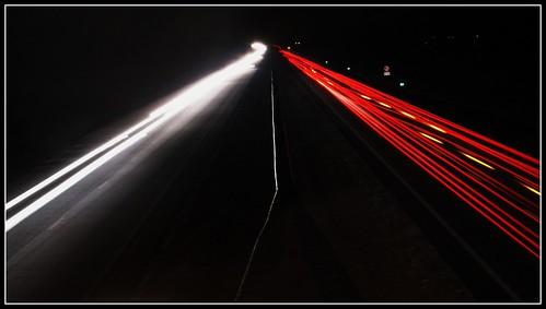Snelweg bij nacht