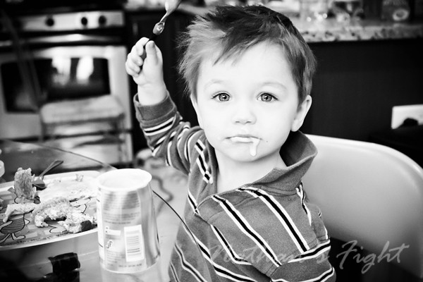 Nathan eat Jan 2011 edit