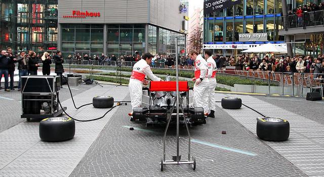 2011_McLaren MP4-26