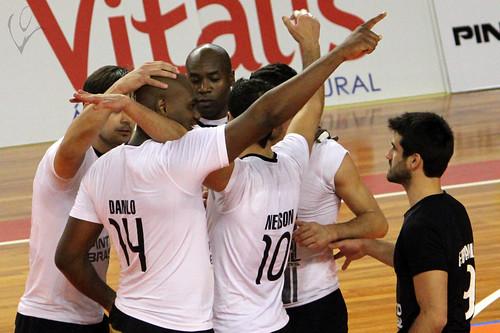 Voleibol: Vitória 3-0 Marítimo