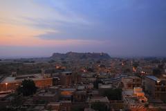 Sunrise over the city of Jaisalmer (Sayid Budhi) Tags: morning india sunrise landscape morninglight jaisalmer rajasthan northindia jaisalmerfort desertcity thegoldencity incredibleindia photographictour travelasiaphotographycom jaisalmercityscape cityofthedesert
