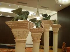 Varios 10 (Ideas Factoryx Ltda) Tags: 3d dummies publicidad replica sanmarcos venecia comercial columna decoración volumen tallado leonalado