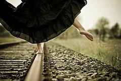 feet,train,bg-nature,bg-outside,legs,phoros-45b4c38a8a3784f8f4f25e3a1d1ff4c9_h