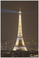 Eiffel Tower twinkling (RomainPa) Tags: paris night eiffeltower montmartre toureiffel nuit tamron1750 canon7d