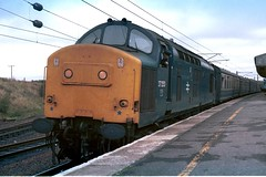 gb_840922_37253CARSTAIRS copy (MUTTLEY'S PIX) Tags: train br rail loco carstairs britishrail syphon englishelectric class37 37699 originalscan 37253