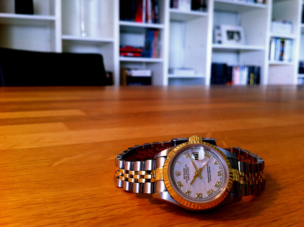 THE LADY-DATEJUST