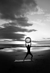 Pilates en la bajamar (pericoterrades) Tags: huelva playa punta bajamar pilates puntaumbra kinetica pericoterrades umbra