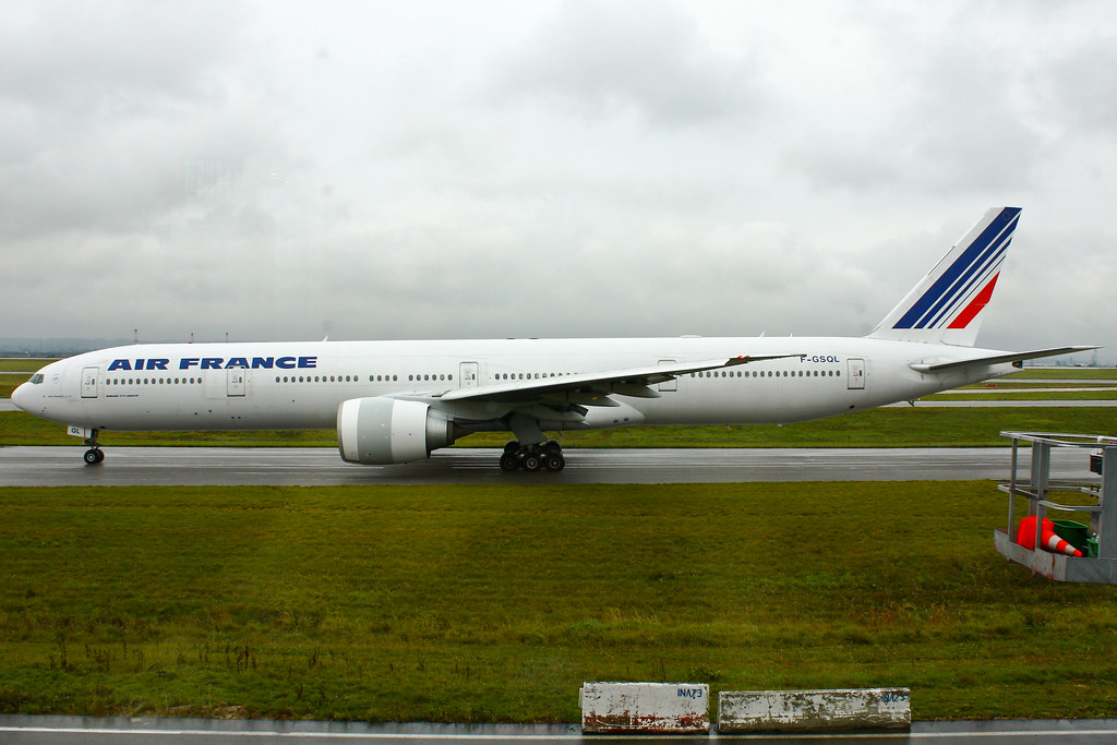 Air France - F-GSQL - Boeing 777-328/ER