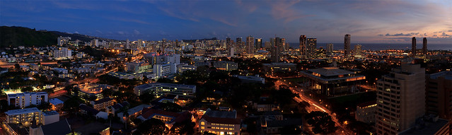 Honolulu City Lights 01