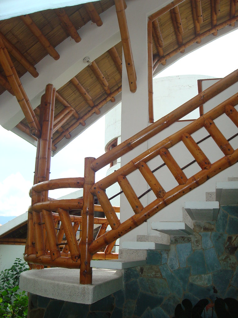 The world 39 s best photos of escaleras and guadua flickr - Escaleras de bambu ...