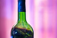 bottle neck (La Salsera) Tags: pink green lensbaby neck bottle flasche hshals