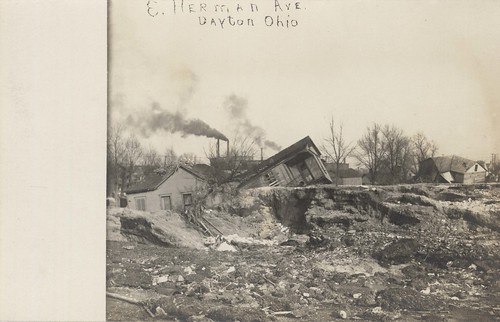 East Herman Avenue, Dayton, OH - 1913 Flood