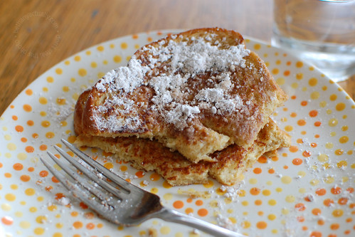 happy thing: french toast on a dottery plate