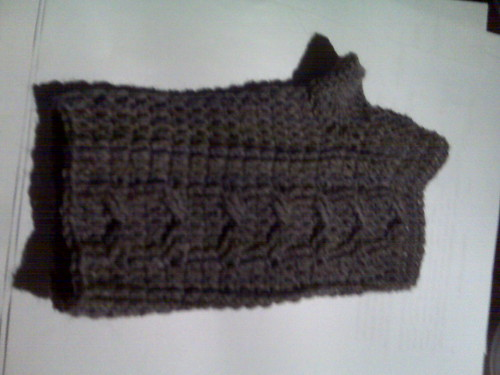 2011.Donna's.Basalt.Heather.Cable.Mitts.003