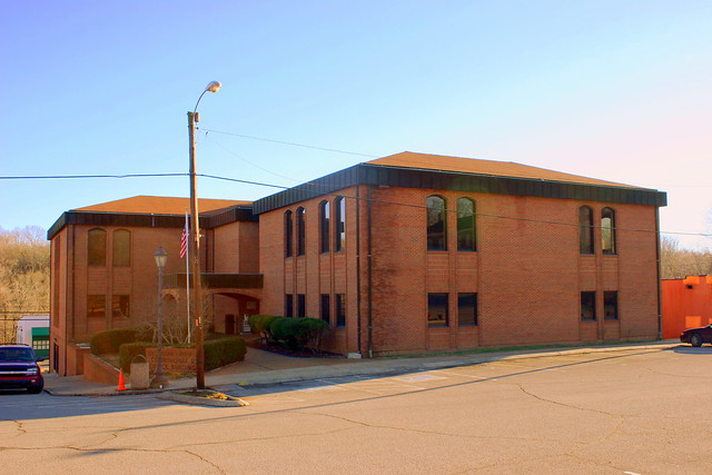 Dickson County Courthouse and Office Building