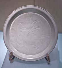 172H0171 copy (H Sinica) Tags: china museum ceramics antique beijing pot pottery  archeology  porcelain washer   whiteglaze  underglaze jindynasty  capitalmuseum   dingware