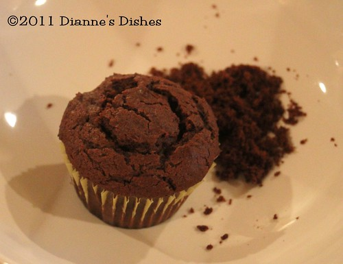 Glorious Chocolate Cream Filled Cupcakes: Corked