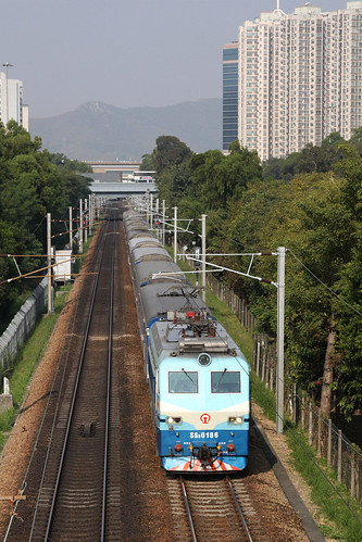 SS8 0186 southbound between Sheung Shui and Fanling
