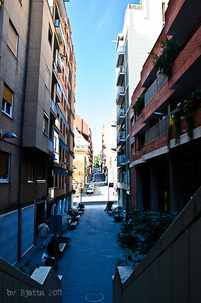 Barcelona. Park Guell. Дорога к парку. Баселона. Парк Гуэль.