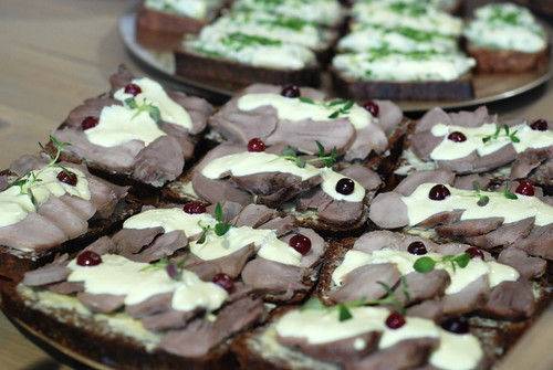tuuli: homemade bread, tongues of lamb,horseradish cream, cranberries
