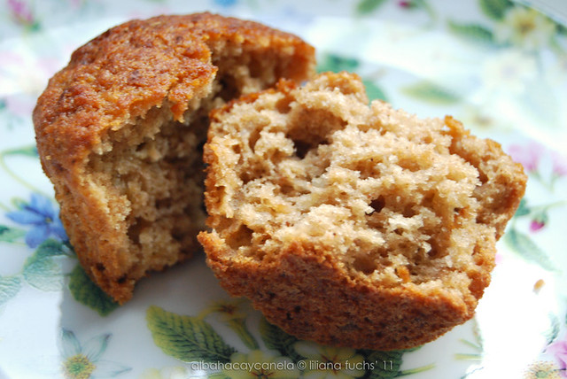 Apple compote muffins