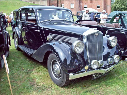 17 Wolseley Ser.II Super Six 25HP Saloon (1935-37)