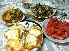 กับข้าวมื้อเย็น :)