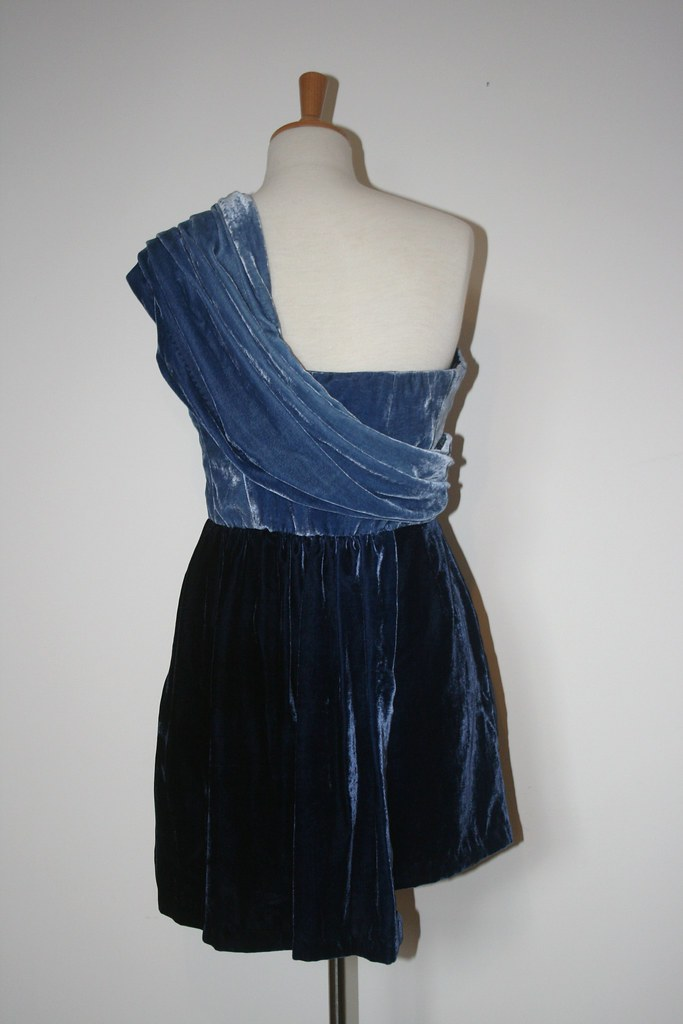 blue velvet dress 018