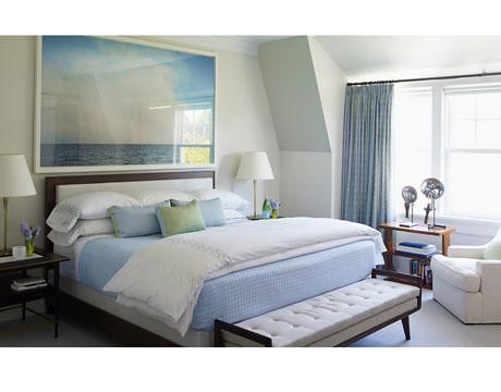 Perfect blue + white bedroom: Art Deco + Paul McCobb tables