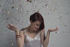 _DSC0185 (jozhycardona) Tags: model modelo inked girl red hair photoshoot honduras photography greatshot confetti fun colorfull colores globos cintas vestidos fashion tattoos tatuajes inspired funny umbrella estudio photostudio colors