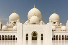 Sheikh Zayed Grand Mosque - Abu Dhabi, United Arab Emirates (Dutchflavour) Tags: sheikhzayedgrandmosque mosque domes symmetry abudhabi unitedarabemirates uae architecture