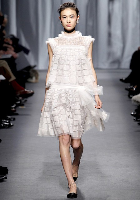 Chanel-Spring2011Couture-35_101734853035-1