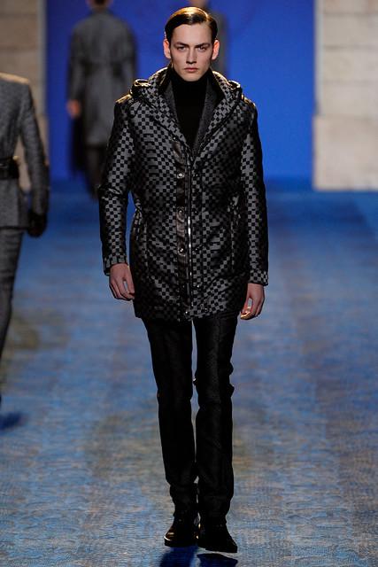 Jakob Hybholt3812_FW11_Milan_Versace(VOGUEcom)