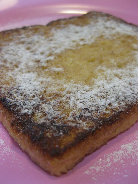 French Toast with dusting sugar