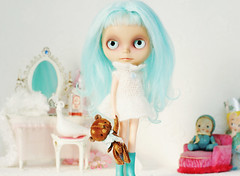Playing dress ups (Ragazza*) Tags: doll dressingroom customblythe vintageteddybear handmadeplush petitewanderlings vonpinktea mohaircrochetdress oliverdevonshire