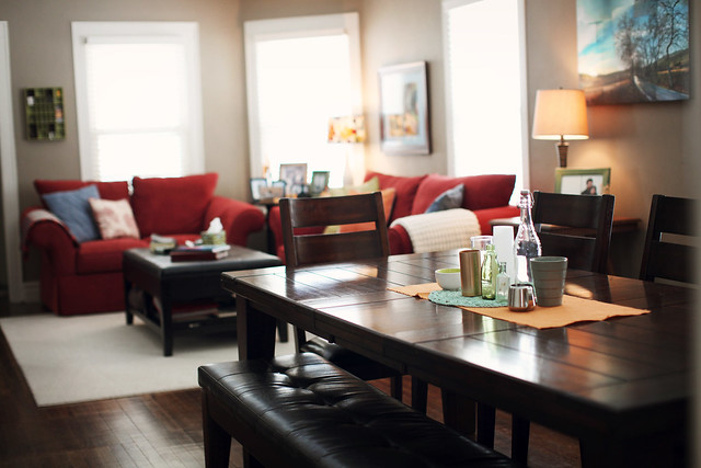 6 . living room/dining room  .