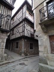 LA ALBERCA, SALAMANCA (toyaguerrero) Tags: spain finepix salamanca catalan guerrero traditionalarchitecture toya laalberca arquitecturapopular hs10 lasbatuecas maravictoriaguerrerocataln toyagu