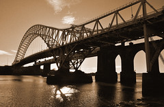 Runcorn Bridge from West Bank, Widnes (Keo6) Tags: bridge west 8 bank elements runcorn runcornbridge
