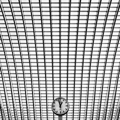 Liege Guillemins - Time's pattern (Geoffrey Gilson) Tags: blue white abstract lines station architecture modern train belgium structure minimal calatrava geoffrey simple liege gilson guillemins canoneos7d wwwgeoffreygilsonnet