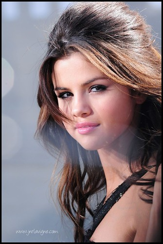 selena gomez who says. Selena Gomez - Who Says Music